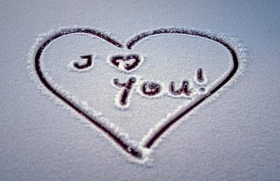 erde in bildern reisefotografie bild 9832 m nchen i love you in den schnee geschrieben. Black Bedroom Furniture Sets. Home Design Ideas
