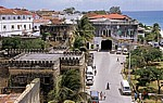 Arabisches Fort, Orphanage (Waisenhaus von Sansibar, getunnelt von einer Einbahnstraße) - Zanzibar Town