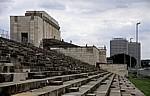 Ehemaliges Reichsparteitagsgelände: Zeppelinfeld, Blick auf die Haupttribüne - Nürnberg