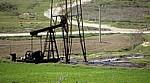 Zwischen Fier und Berat: Erdölförderturm - Myzeqe-Ebene