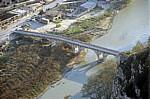 Blick von der Burg (Kalaja): Brücke über den Osum aus der Osmanenzeit - Berat