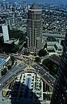 Blick von der Skybridge der Petronas Towers: Menara Public Bank - Kuala Lumpur