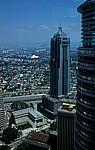 Blick von der Skybridge der Petronas Towers: Menara AmBank - Kuala Lumpur