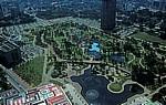 Blick von der Skybridge der Petronas Towers: KLCC Park - Kuala Lumpur
