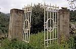 Verrostetes Eingangstor - Cuglieri
