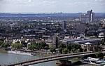 Blick vom KölnTriangle über die Deutzerbrücke - Köln