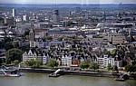 Blick vom KölnTriangle: Altstadtufer - Köln