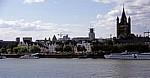 Blick auf den Rhein und das Altstadtufer - Köln