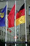 DDR: DDR-Flagge und FDJ-Flagge - Erfurt