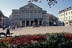 DDR: Goethe- und Schiller-Denkmal vor dem Nationaltheater - Weimar