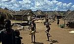 Bairro Hippocro: Die Kinder tun alles, um fotografiert zu werden - Chimoio