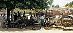 Kleiner Stadtteilmarkt: Geflügelabteilung - Chimoio