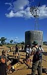 Mit Windkraft betriebener Brunnen - Sussundenga