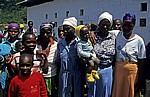 Frauen mit ihren Kindern - Chiqueia