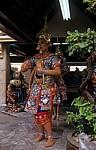 Erawan-Schrein: Tänzerinnen - Bangkok