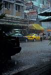 Khaosan Road im Regen - Bangkok