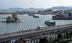 Blick von Po Nagar auf die Xom Bong-Brücke und den Cai-Fluß - Nha Trang