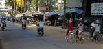 Verkaufsstände und kleine Restaurants am Siem Reap-Fluß - Siem Reap