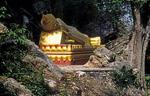 Phousi: Liegender Buddha - Luang Prabang