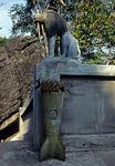 Phousi: Blumenkübel - Luang Prabang