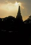Geschichtspark Sukhothai: Chedi im Abendlicht - Sukhothai