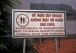 Hinweisschild zum Betreten einer Pagode - Hanoi