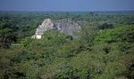 Blick von der Kukulkán-Pyramide: El Caracol (Sternwarte) - Chichén Itzá