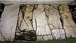 El Palacio (Palast): Gefangene (dargestellt an der Treppe von Haus A) - Palenque