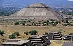 Blick von der Pirámide de la Luna (Mondpyramide) - Teotihuacán