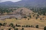 Blick von der Pirámide del Sol (Sonnenpyramide) - Teotihuacán