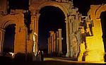 Bogentor (Hadrianstor) und Große Kolonnadenstraße - Palmyra