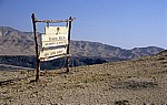 Hinweisschild Sea Level Point - Wadi Zarqa Ma'in