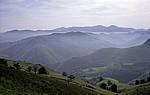 Jakobsweg (Navarrischer Weg): Blick auf die Pyrenäen - Pyrenäen (F)