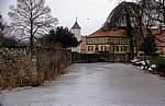 Schloß Hünnefeld: Blick auf Taubenturm und Alte Rentei - Bad Essen