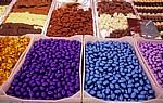 Markt: Schokoladeneier und Pralinen - Enschede