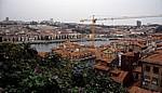 Blick auf Vila Nova de Gaia und den Douro - Porto