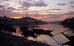 Rabelos auf dem Douro im Abendlicht - Vila Nova de Gaia