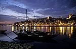 Rabelos bei Nacht.  - Vila Nova de Gaia
