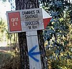 """Jakobsweg (Caminho Português): Hinweisschild """"Caminho s de Santiago"""" - Distrito de Braga"""