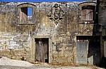 Jakobsweg (Caminho Português): Baufällige Hausfassade - Distrito de Braga