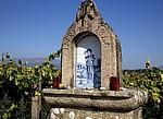 Jakobsweg (Caminho Português): Bildstock mit Pilgermotiv - Facha