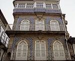 Altstadt: Hausfassade mit Azulejos - Valença