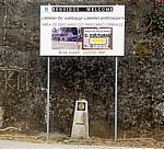 Jakobsweg (Caminho Português): Hinweisschild (u.a. für eine Bar) - Orbenlle