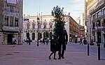 Altstadt: Bronzestatue - Burgos