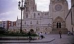 Bronzene Pilgerstatue vor der Catedral de Burgos (Kathedrale) - Burgos
