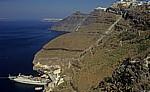 Treppenweg vom alten Hafen nach Fira - Fira