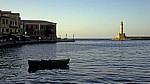 Venetianischer Hafen: Venetianischer Leuchtturm (rechts) - Chania
