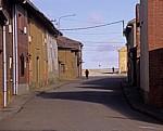 Jakobsweg (Camino Francés): Zwei Frauen in dem ansonsten leeren Ort - Calzadilla de los Hermanillos