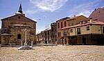Altstadt: Plaza del Grano mit Iglesia Nuestra Señora del Mercado - León