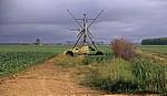 Jakobsweg (Camino Francés): Felder mit Bewässerungsanlage - Bustillo del Páramo
